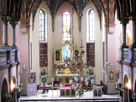 Kościół i otoczenie-10