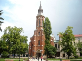Kościół i otoczenie-15