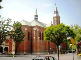 Kościół i otoczenie-2