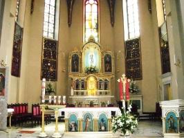 Kościół i otoczenie-3