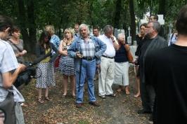 z panem Anatolem Sulikiem na cmentarzu w Kowlu