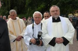 parafialny fotograf, p. Marek, z ks. Krzysztofem Durą